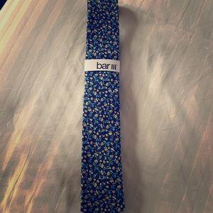New Men's Bar III navy, yellow, & green floral tie